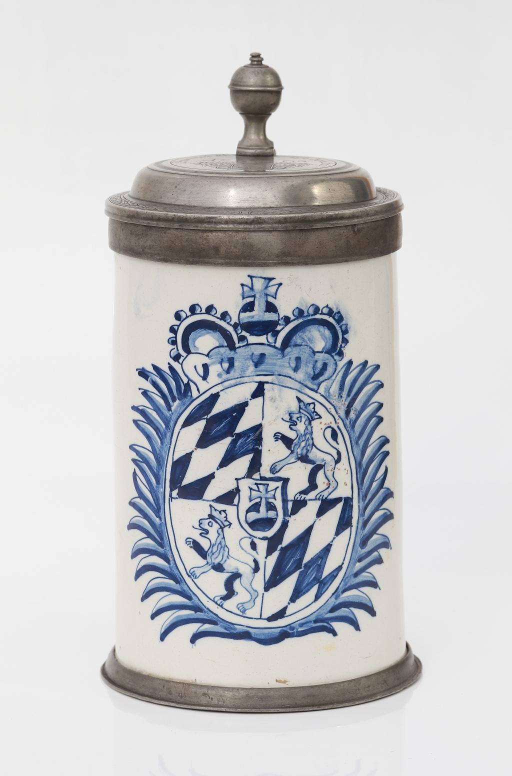 Friedberger Fayence Wappenkrug um 1762 Manufakturmarke CB