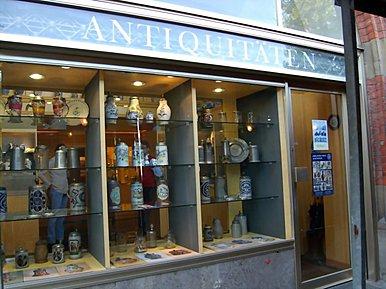 Peter Vogt Fayence Steinzeug München Antiquitäten im Rathaus