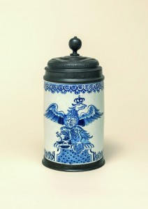 German-Faience-Berliner Fayencewalzenkrug um 1730