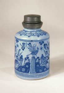 Ansbach Faience Bottle ca. 1730, H. 14 cm
