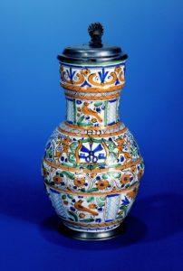 habaner-schneider-zunftkanne-1739-datiert
