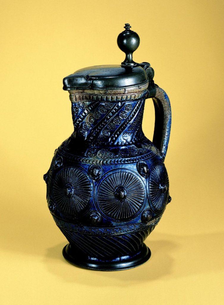 muskauer-steinzeugkrug-um-1650- liegnitzer-zinnmontierung
