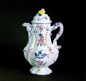german-faience-schleswig-fayence-kaffeekanne-um-1770