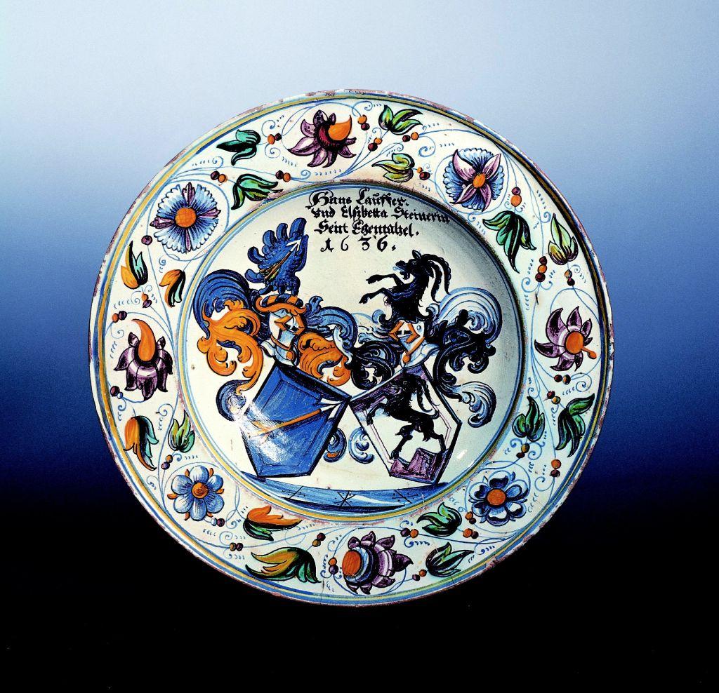 fayence winterthurer-wappen-platte-1636-datiert