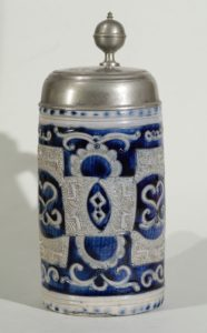 grosser-westerwald-westerwälder-humpen-um-1790 - incised blue salt glazed stoneware tankard