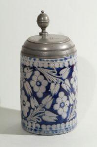 westerwald-walzenkrug-tankard-um-1780 - blue salt glazed stoneware - jug