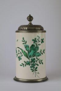 Crailsheimer Fayencekrug um 1770