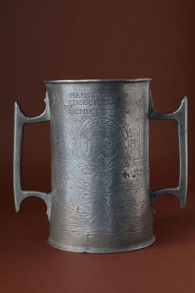 Schlesischer Doppelhenkelkrug Schuster Zunft 1665 datiert