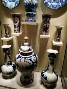 Ansbach-Fayence-Vasen-Sammlung-Bayerisches-Nationalmuseum