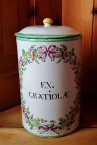 Sceaux-Faience-Apothecary-Jar-Albarello-18th-century-ceramics