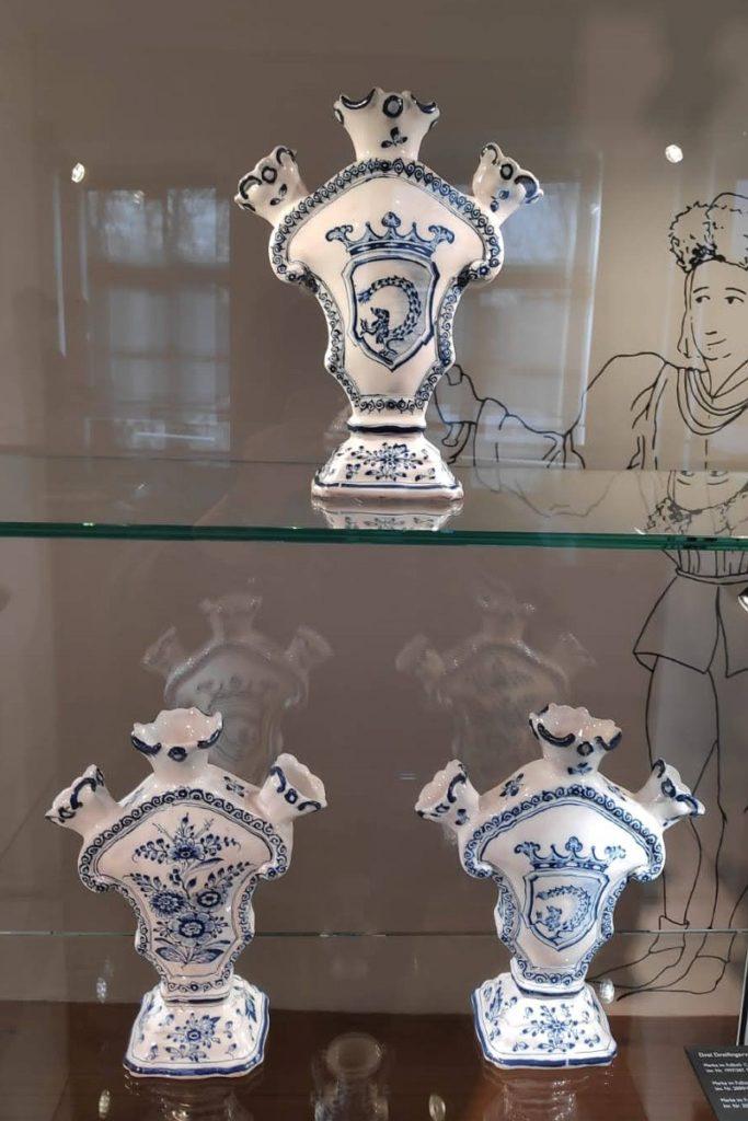 Museum Wittelsbacher Schloss Friedberg Fayence Vasen Wappen Imhoff